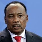 Niger frees two journalists after four days in prison