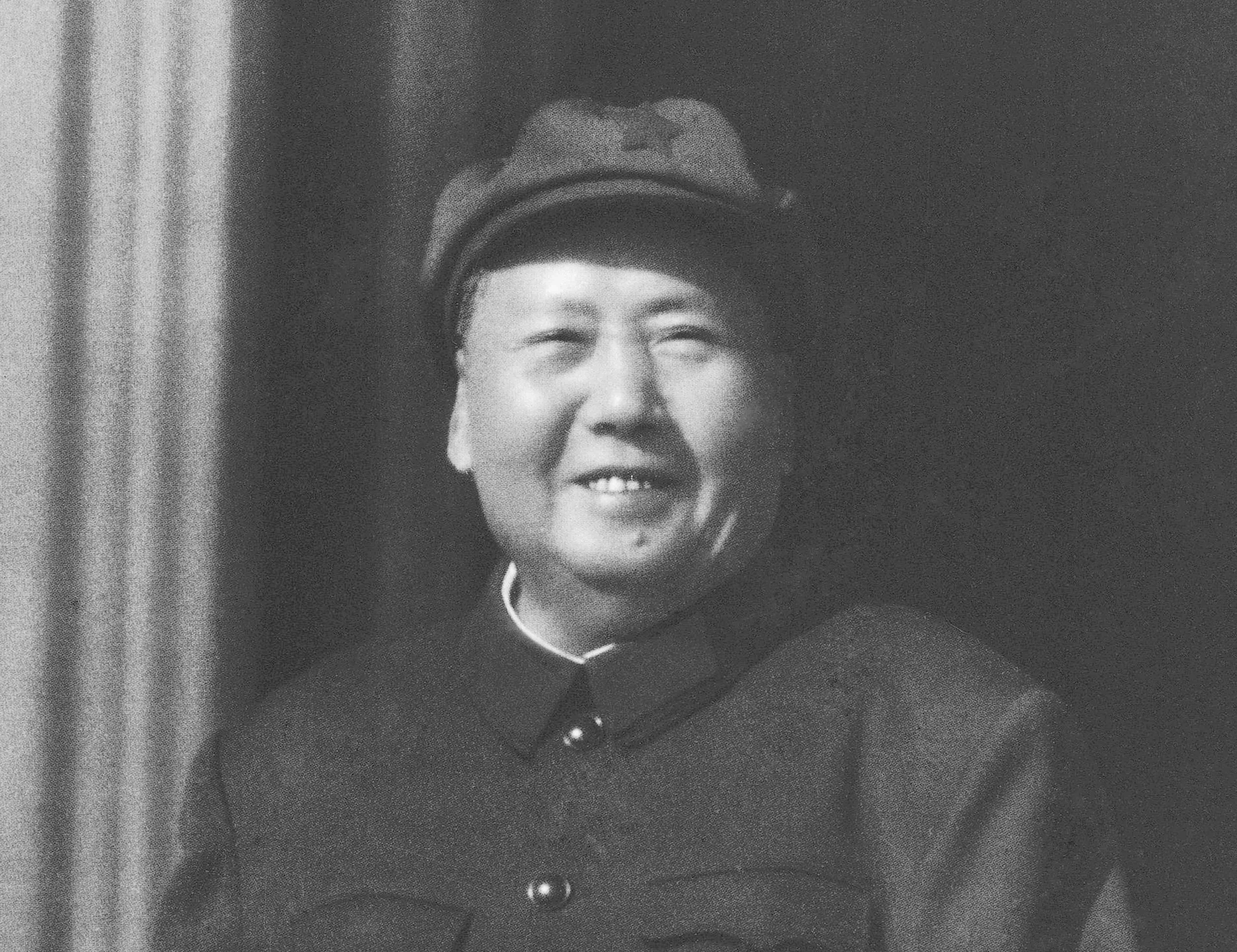 mao ze dongs start of the great cultural revolution in 1966