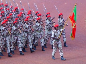 Female soldiers marching in Eritrea in 2006 (Temesgen Woldezion/Wikimedia Commons)